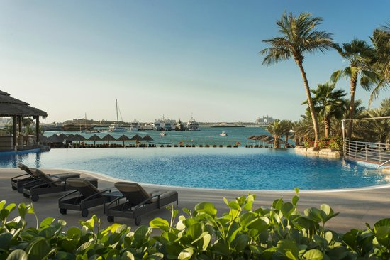 Le Meridien Mina Seyahi Beach Resort and Marina: Swimming pool