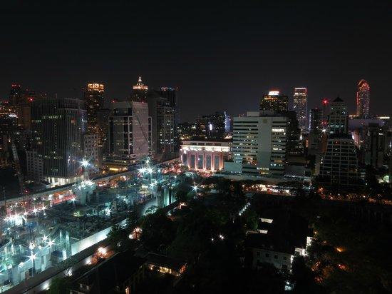 Sivatel Bangkok:                   View from swimming pool