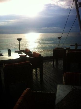 Luna Lanai Restaurant :                   Early day with nice place❤