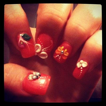 Vinh Hung Riverside Resort:                   3D nail art