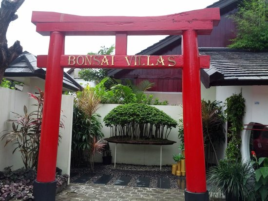 Bonsai Villas:                   Entrance