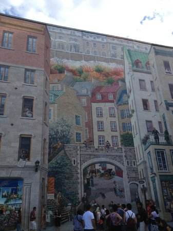 Old quebec funicular picture of lower town basse ville for Mural quebec city