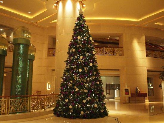 グランド ハイアット北京(北京東方君悦大酒店),                   entrance xmas2013