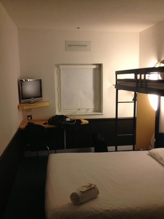 ibis budget Manchester Salford Quays:                   My room at the Ibis Budget...