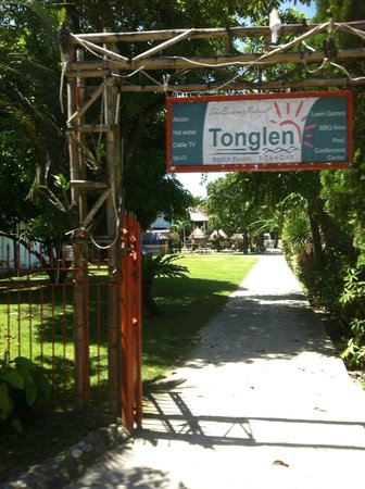Tonglen Beach Resort:                   Entrance