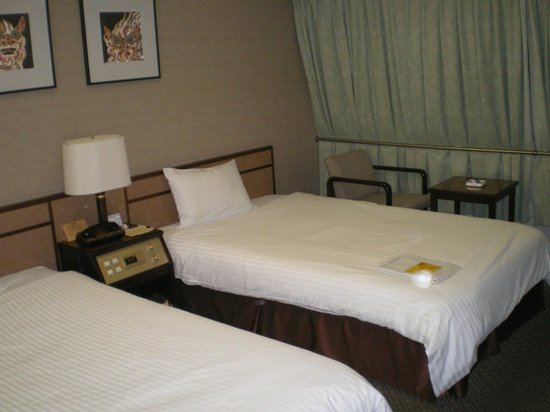 Ryukyu Sun Royal Hotel :                   シングルの予定がツインルームに!