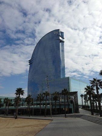 W Barcelona: W Hotel.
