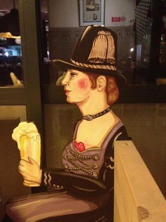 Kapuziner Bierstuble:                   donna bavarese