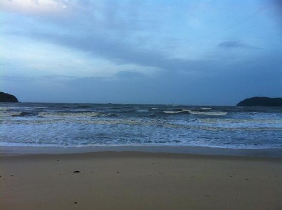 Desa Motel:                   5 minutes to Pantai Tengah Beach