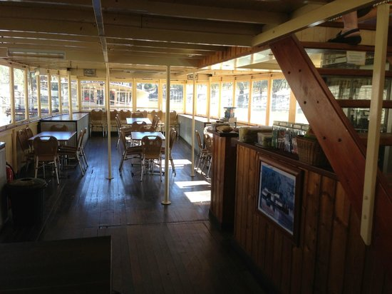 Murray River Paddlesteamers - PS Emmylou : The lower deck