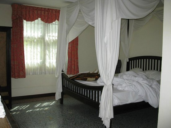 Tolmaj Family Apartment:                   One of the bedrooms