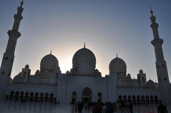Sheikh Zayed Grand Mosque Center: As the sun sets...