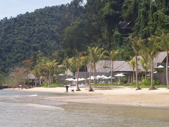 Gaya Island Resort:                   Beach View