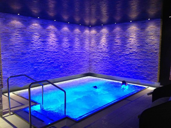 Europe Hotel & Spa: The jacuzzi/pool