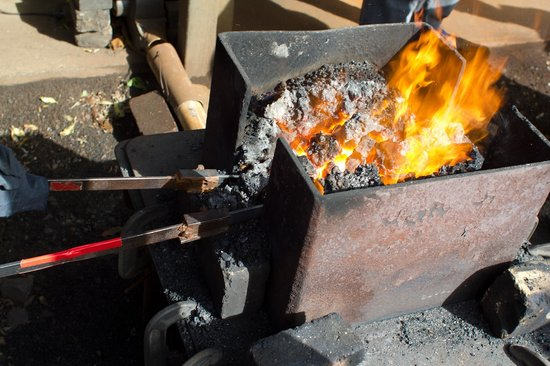 Barrytown Knifemaking:                   Forged in the fire