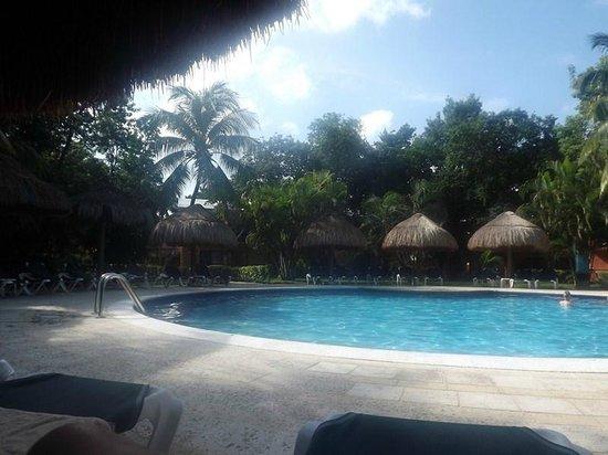 Hotel Riu Lupita:                                     1 des 3 piscines au calme