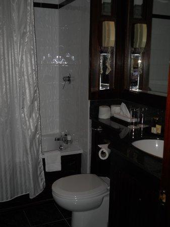 O'Callaghan Mont Clare Hotel: Il bagno