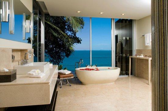 Villa Beige : Koh Tan en-suite bathroom views to the ocean