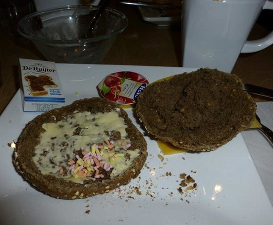Hotel Piet Hein: Dutch breakfast - fruit sprinkles on rye roll