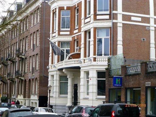 Hotel Piet Hein: Front entrance Piet Hein hotel