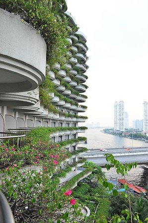 Shangri-La Hotel,Bangkok:                   Balcony, Khrungtep Wing