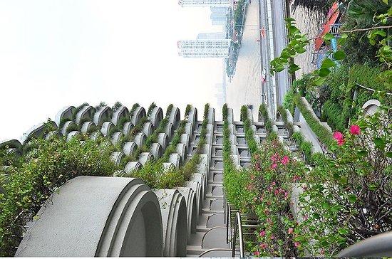 Shangri-La Hotel Bangkok:                   Balcony, Khrungtep Wing