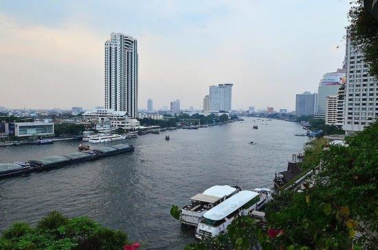 Shangri-La Hotel,Bangkok:                   Chao Phraya, Khrungtep Wing