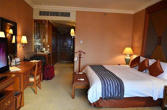 Bedroom, Khrungtep Wing
