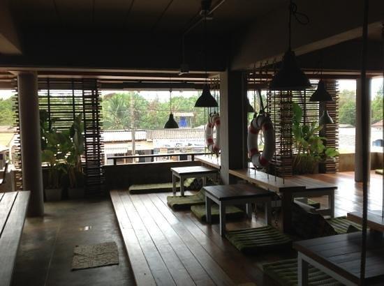 Non La Mer Hostel : pour le ptit dej, le cafe ou pour une bière!