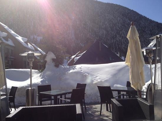 Hotel Val de Neu GL: terraza del bar