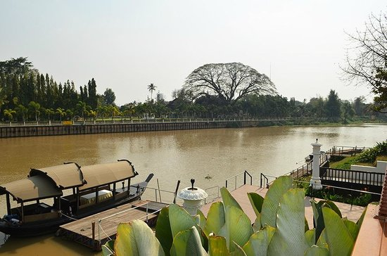 Ratilanna Riverside Spa Resort Chiang Mai:                   Ping River, swimming pool view