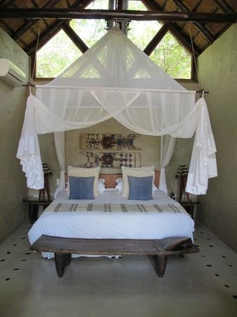 Pondoro Game Lodge:                   Schlafzimmer