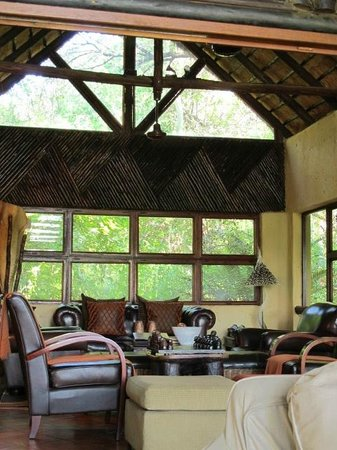 Pondoro Game Lodge:                   Lodge