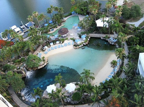 Surfers Paradise Marriott Resort & Spa: A view of the spectacular pool at Surfers Paradise Marriott Resort