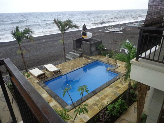 Lucky Paradise Bungalows:                                     pic