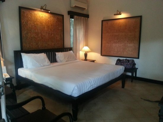 Puri Mesari Hotel & Suites: Comfortable clean room.