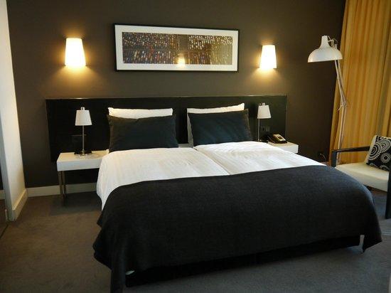Adina Apartment Hotel Berlin Hackescher Markt: Cama