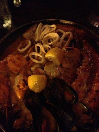 Taverna Opa : rich seafood platter