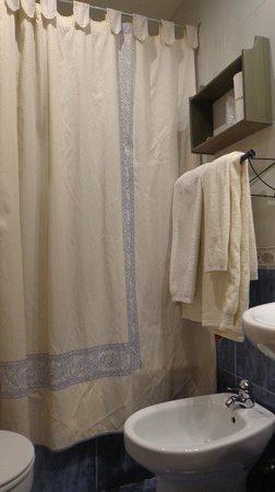 Arco San Vicente: Cuarto de baño