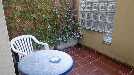 Arco San Vicente: Pequeña terraza a un patio interior