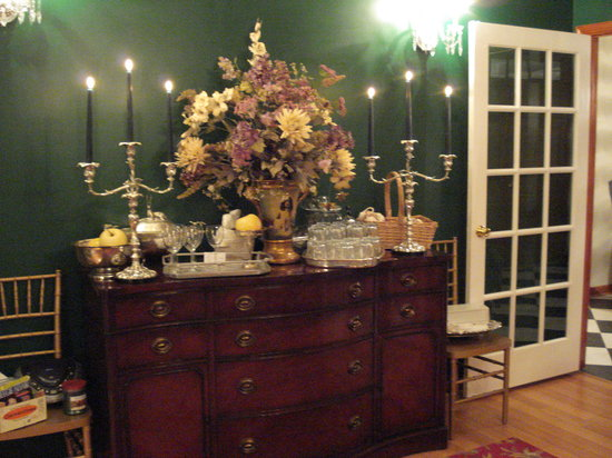 Cheesecake Farms Bed and Breakfast : Elegant surroundings