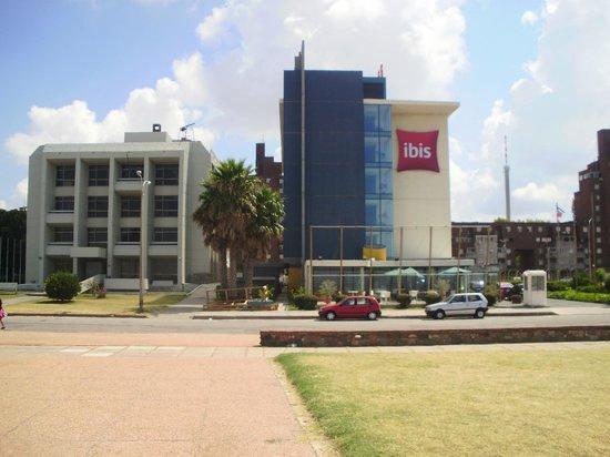 Ibis Montevideo:                   Hotel ibis