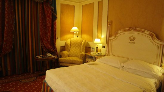 Hotel Splendide Royal:                   寝室