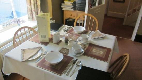 The Mendip Gate Guest House: breakfast room