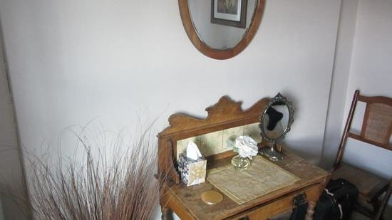 The Mendip Gate Guest House: Churchill Suite