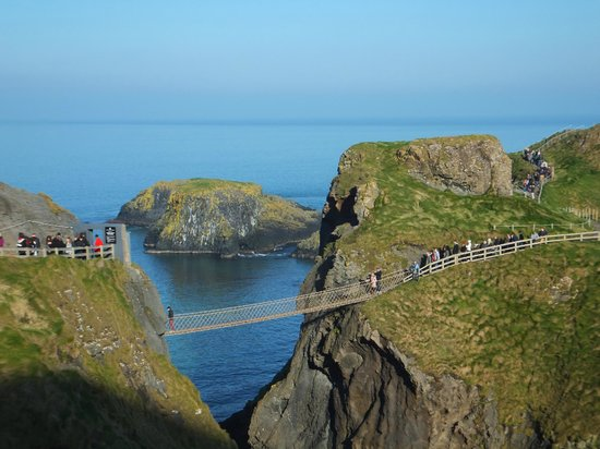 写真Carrick-A-Rede Rope Bridge枚
