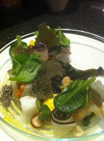 Aan tafel bij Luc Bellings:                   gamba/algen