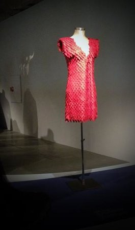 MUDE-Museu do Design e da Moda : dress for Fado