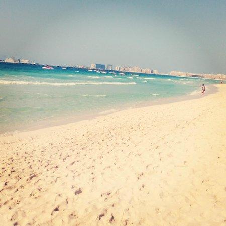 Pearl Marina Hotel Apartments :                   пляж