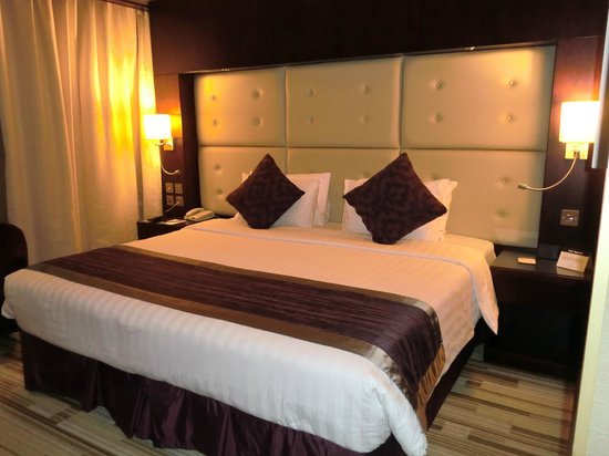 Monaco Hotel: 1 kingsize bed